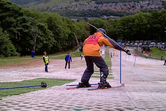 Learn to Ski at The Hill Skiing Centre Rossendale